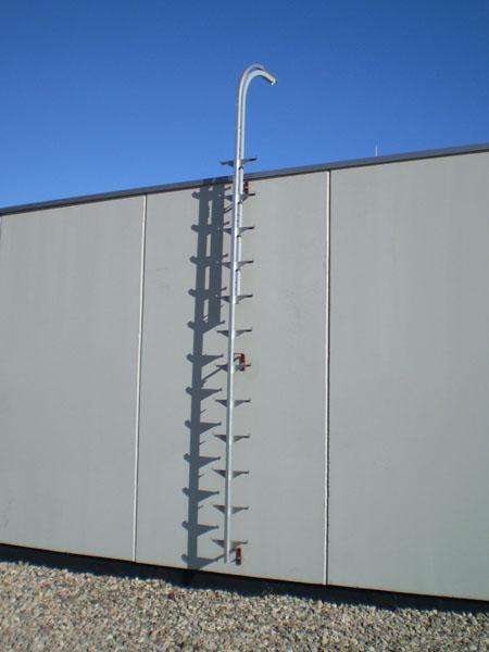 L nea de vida vertical tipo carril con pelda os integrados for Escaleras verticales