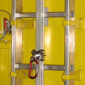 L nea de vida carril vertical para escaleras con aros for Escaleras verticales